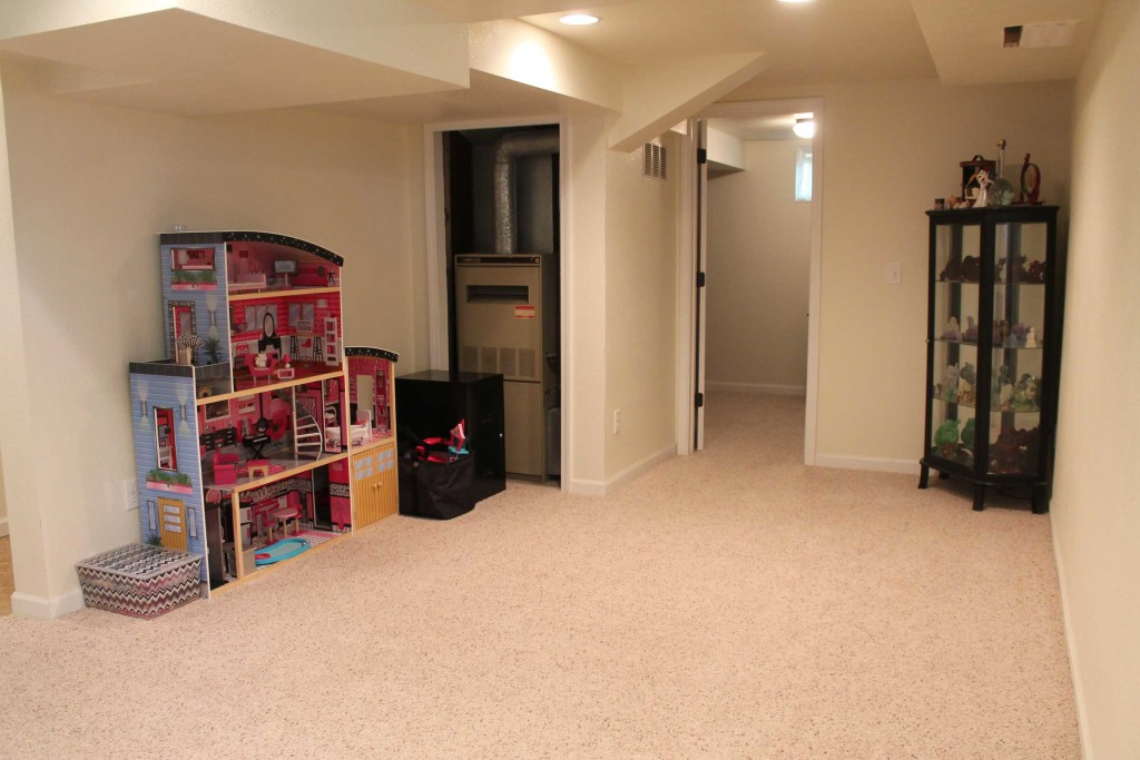 1012-E-Adams-Family-Room-2