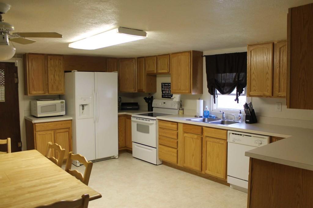1012-E-Adams-Kitchen-2