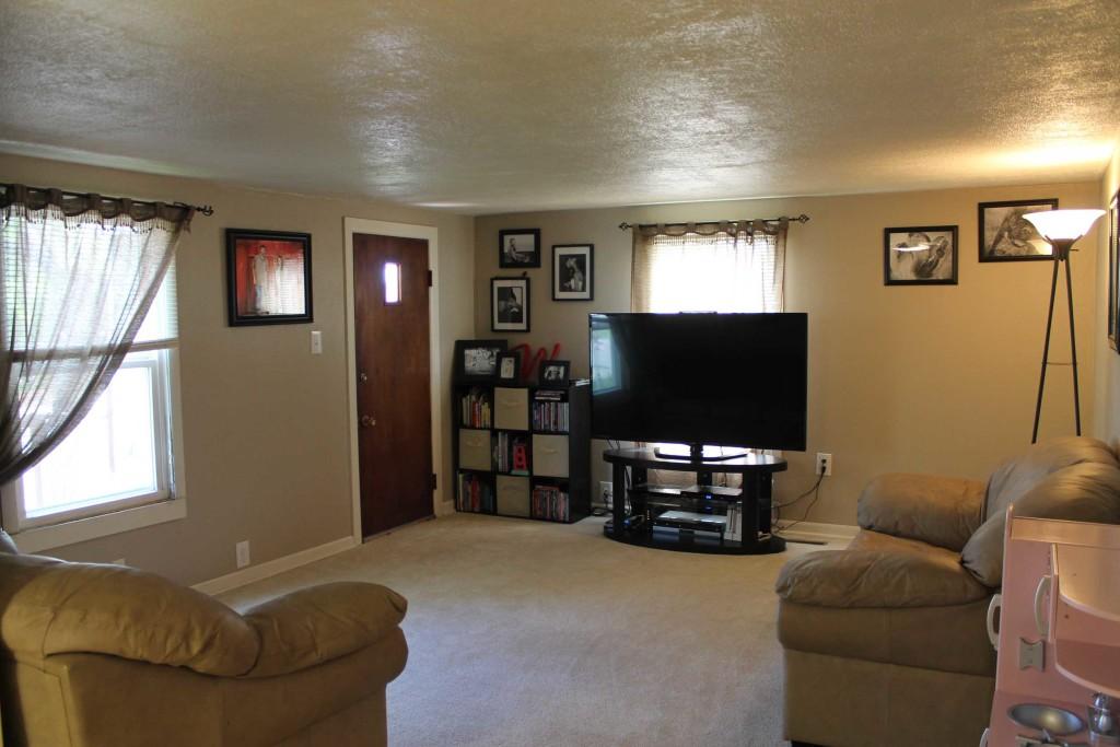 1012-E-Adams-Living-Room