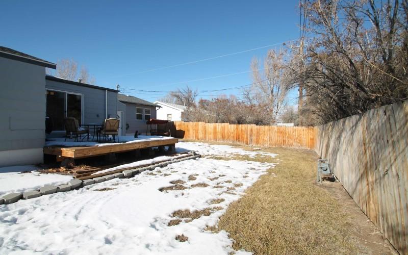 1015-westwood-backyard