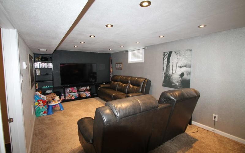1015-westwood-familyroom