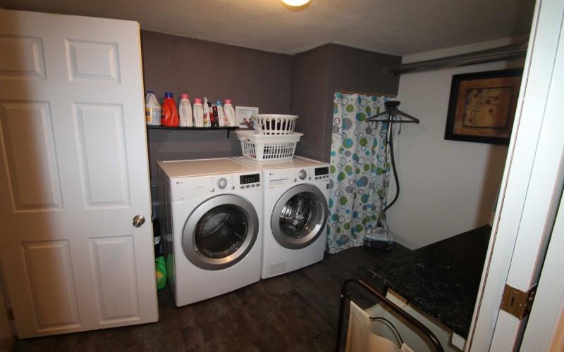 1015-westwood-laundry