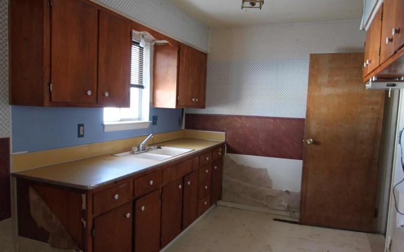 1030-black-kitchen