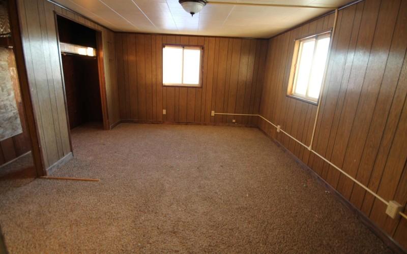 109-oak-bedroom-2
