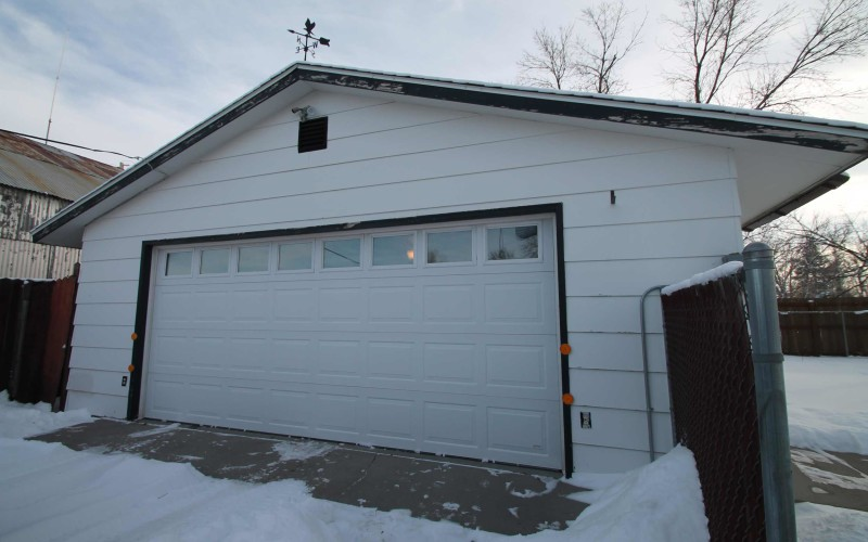 2401-cottonwood-garage