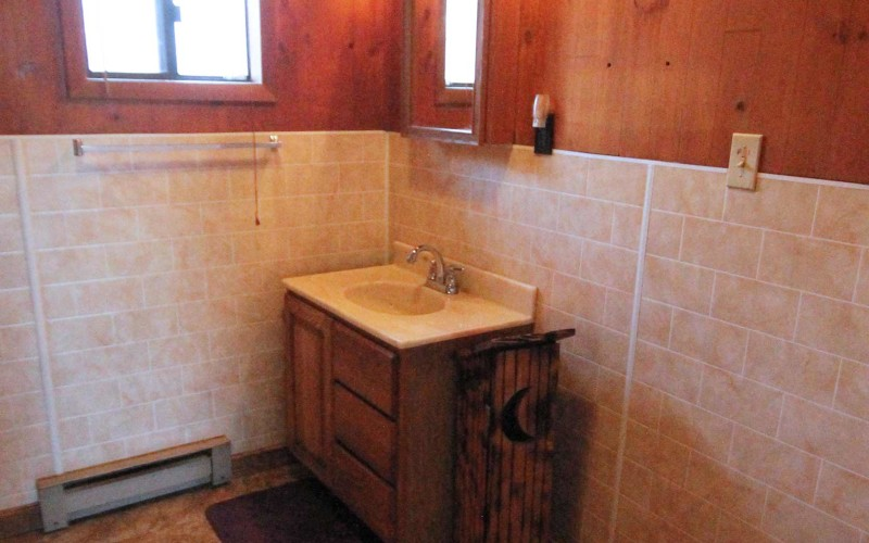 320-w-monroe-bathroom2