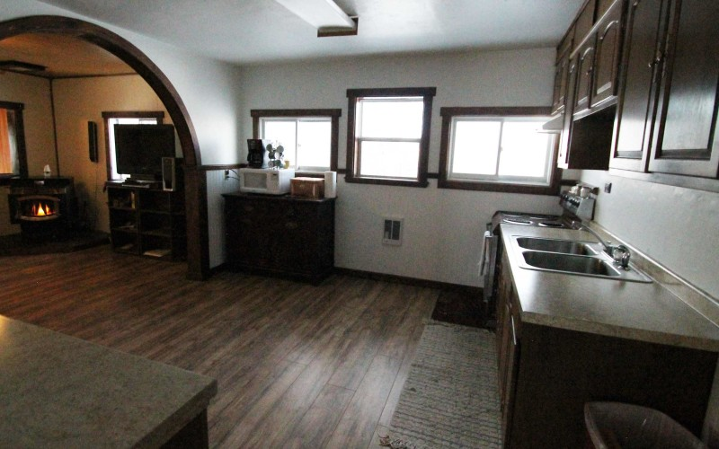 320-w-monroe-kitchen3