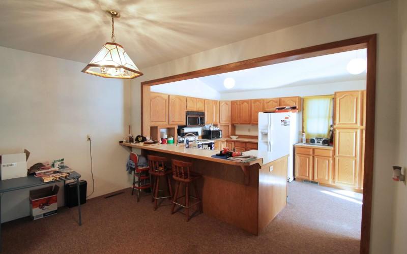 422-pine-dining-kitchen