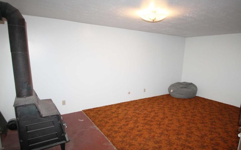 422-pine-familyroom