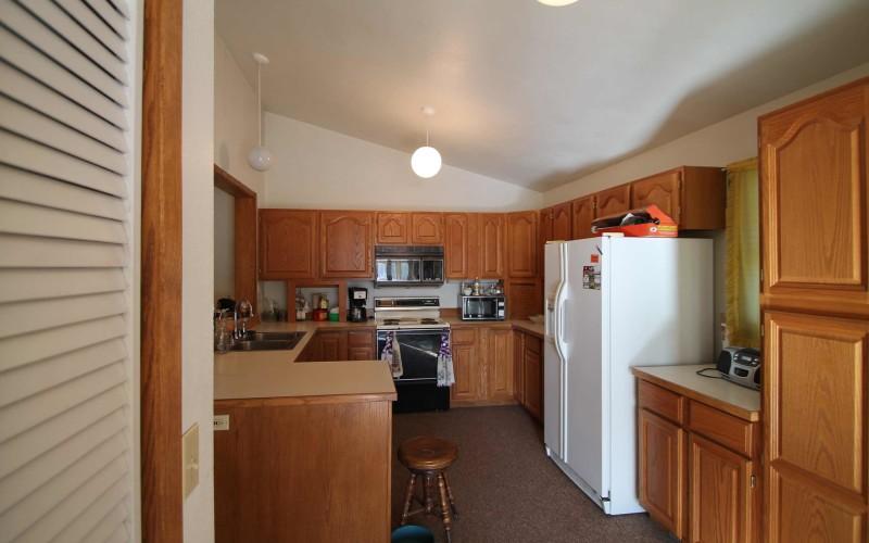 422-pine-kitchen
