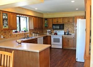 4595-e-fairway-kitchen