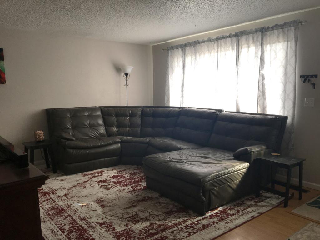 510-summit-living-room