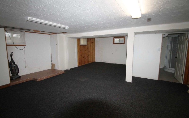 606-n-1st-familyroom2