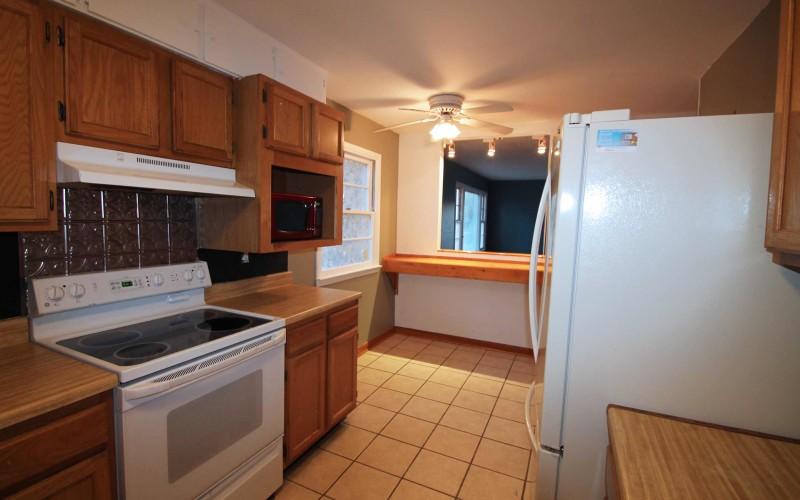 606-n-1st-kitchen2