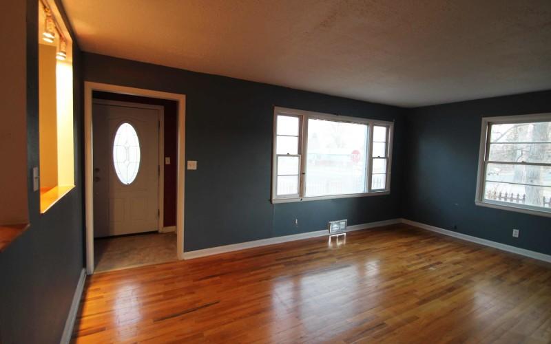 606-n-1st-livingroom