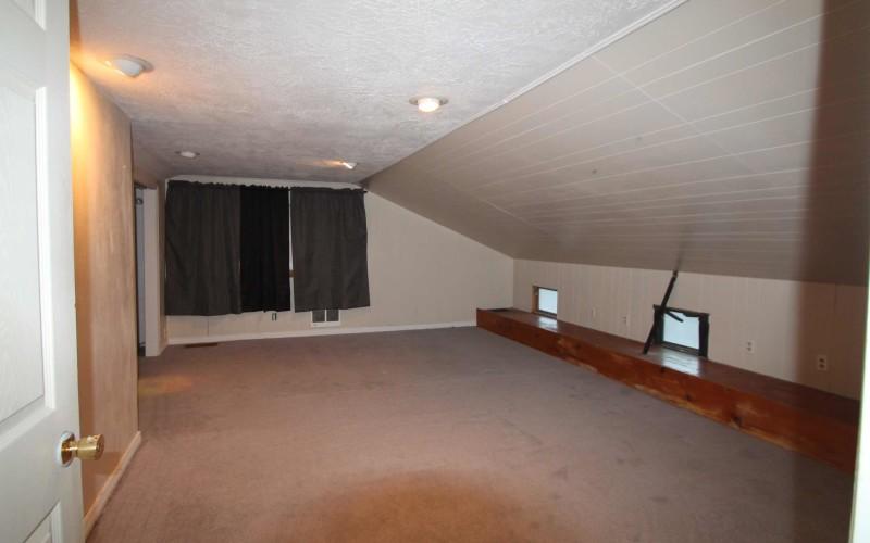 606-n-1st-master-bedroom