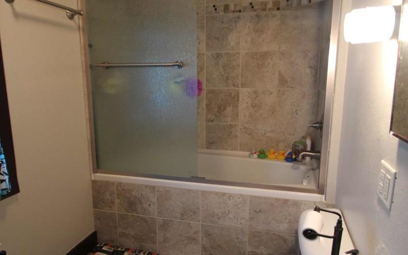 715-n-2nd-e-bathroom