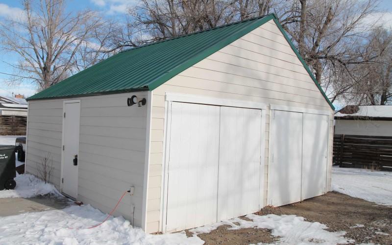 715-n-2nd-e-garage