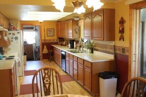 7491-hwy-789-kitchen2