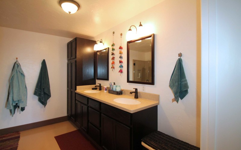 792-welch-masterbath1