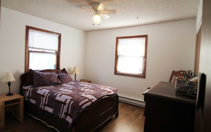 792-welch-upstairds-bed1