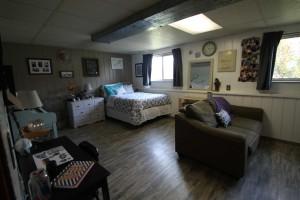 814-w-monroe-family-room