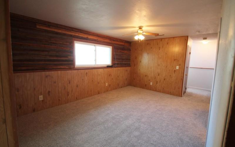 821-cheryl-sue-familyroom