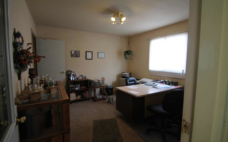 885-s-smith-office
