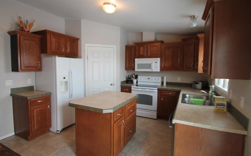 92-blue-shale-kitchen